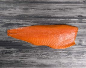 12701000-salmon-nature-pieza